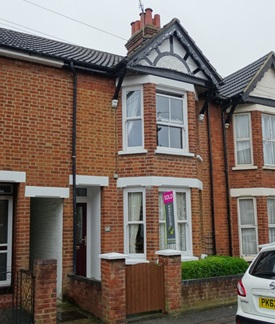 10 - 1 Bedroomed house in Milton Keynes