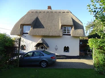Grade 2 listed , Thatched , Padbury