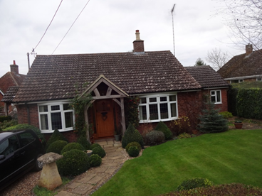 2 Bedroomed detached bungalow in Edlesborough.