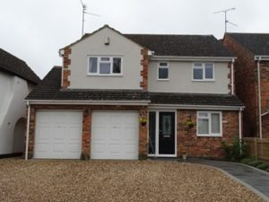 4 Bed detached Totternhoe