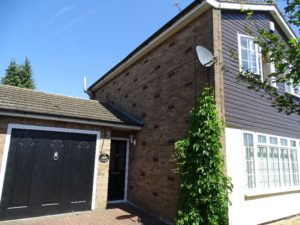 Semi detached with a bungalow in Houghton Regis