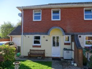 3 Bed 1988 terrace in Eaton Bray.