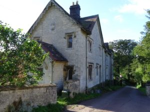 Grade II listed Lodge poorly maintained in Gloucestershire.