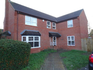 Extended 4 bedroom house in Milton Keynes